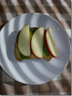 milletbread apple avocado (480x640)